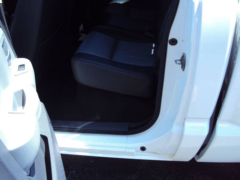 2008 Dodge Dakota Laramie 4dr Crew Cab 4WD SB - Clinton Twp MI