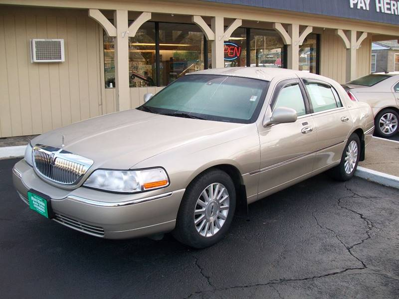 2004 Lincoln Town Car Signature In Rock Island Il First Choice