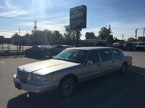 1997 Lincoln Town Car for sale in Fraser, MI