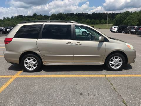 2004 Toyota Sienna for sale at Knoxville Wholesale in Knoxville TN