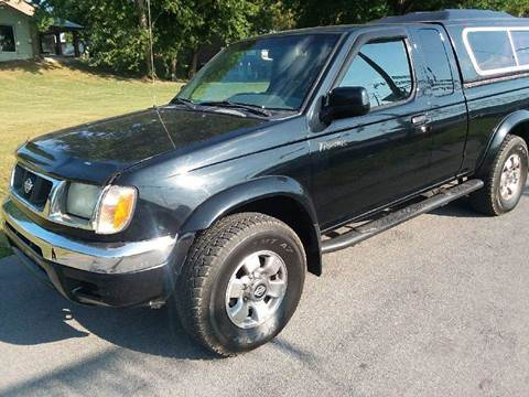 2000 Nissan Frontier for sale at Knoxville Wholesale in Knoxville TN