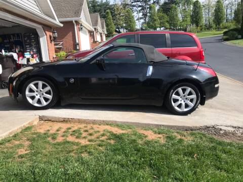 2004 Nissan 350Z for sale at Knoxville Wholesale in Knoxville TN