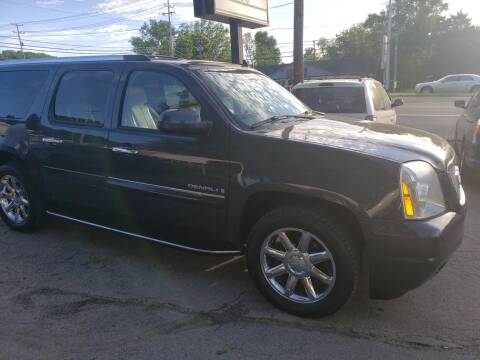 2008 GMC Yukon XL for sale at Knoxville Wholesale in Knoxville TN
