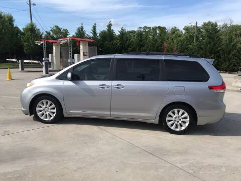 2011 Toyota Sienna for sale at Knoxville Wholesale in Knoxville TN