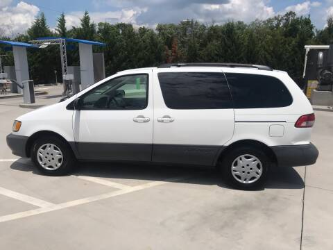2003 Toyota Sienna for sale at Knoxville Wholesale in Knoxville TN