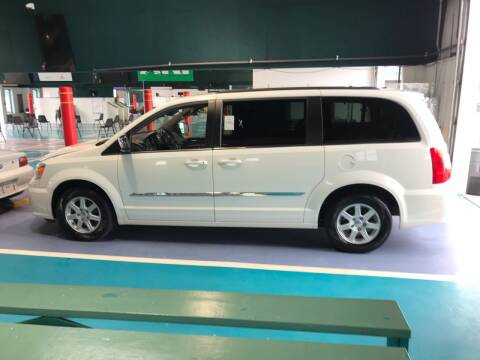 2012 Chrysler Town and Country for sale at Knoxville Wholesale in Knoxville TN