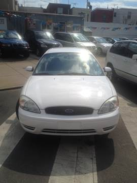 2005 Ford Taurus for sale at K J AUTO SALES in Philadelphia PA