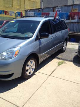 2004 Toyota Sienna for sale at K J AUTO SALES in Philadelphia PA