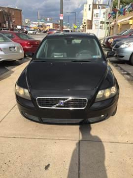 2004 Volvo S40 for sale at K J AUTO SALES in Philadelphia PA