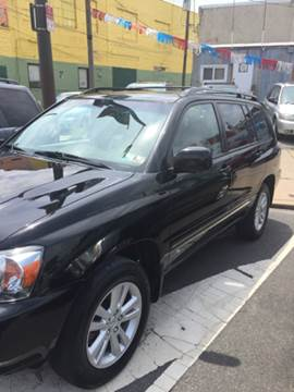 2006 Toyota Highlander Hybrid for sale at K J AUTO SALES in Philadelphia PA