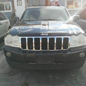 2005 Jeep Grand Cherokee for sale at K J AUTO SALES in Philadelphia PA