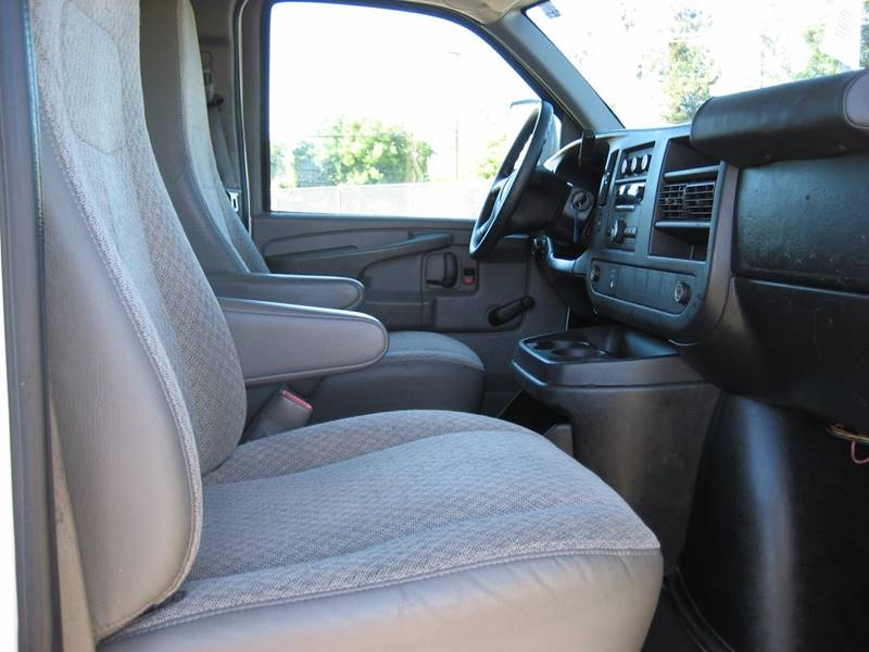 2012 Chevrolet Express Cutaway 3500 2dr 139 in. WB Cutaway Chassis w/ 1WT - San Jose CA
