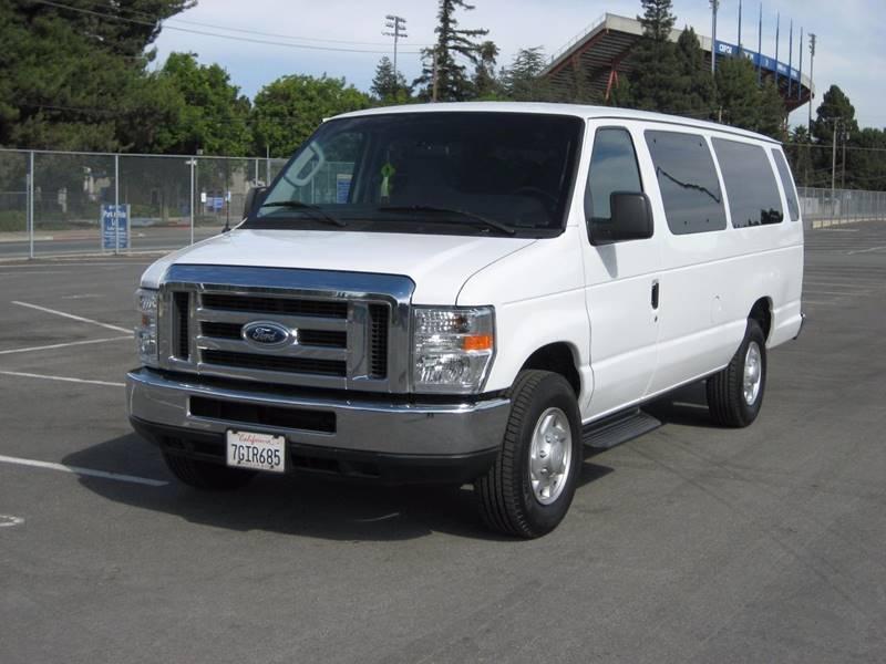 2014 FORD E350  EXT WAGON XLT white 2014 ford e350 super duty passenger xlt extended van 3d v8 f