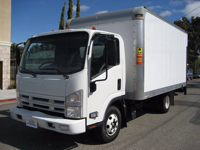 2011 ISUZU PICKUP NPR white 2011 isuzu npr 14 foot box truck 30l diesel with ac heat 3 passen