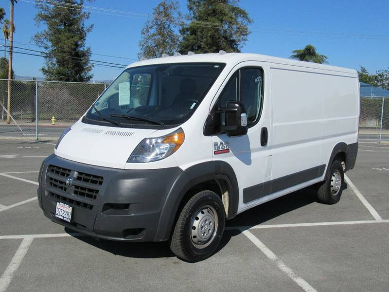 2018 RAM PROMASTER CARGO 1500 136 WB 3DR LOW ROOF CARGO V white 2018 ram promaster cargo van 1500
