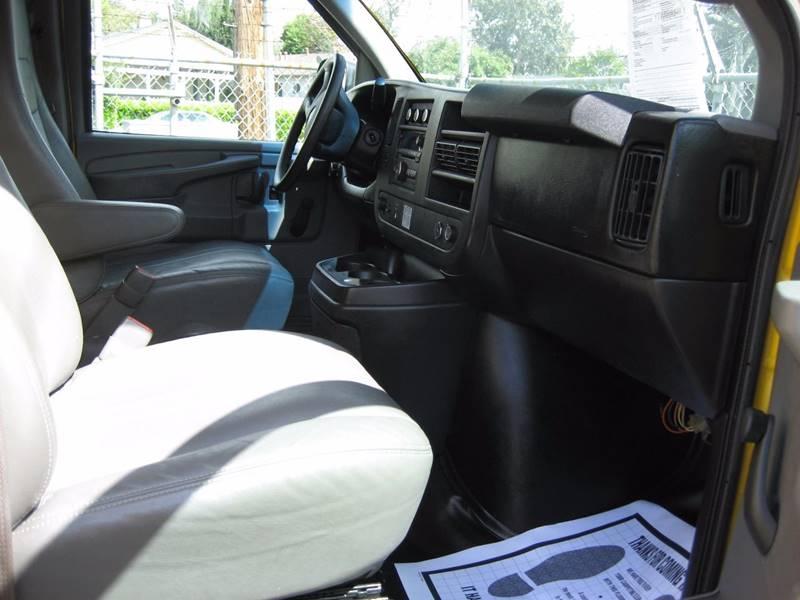 2013 GMC Savana Cutaway 3500 2dr 139 in. WB Cutaway Chassis w/ 1WT - San Jose CA