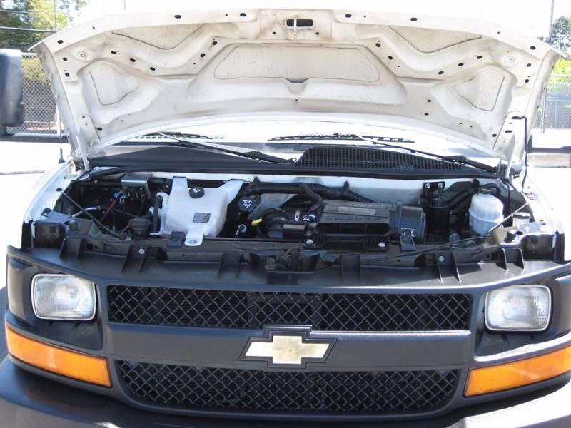 2012 Chevrolet Express Cutaway 3500 2dr 139 in. WB Cutaway Chassis w/ 1WT - San Jose CA