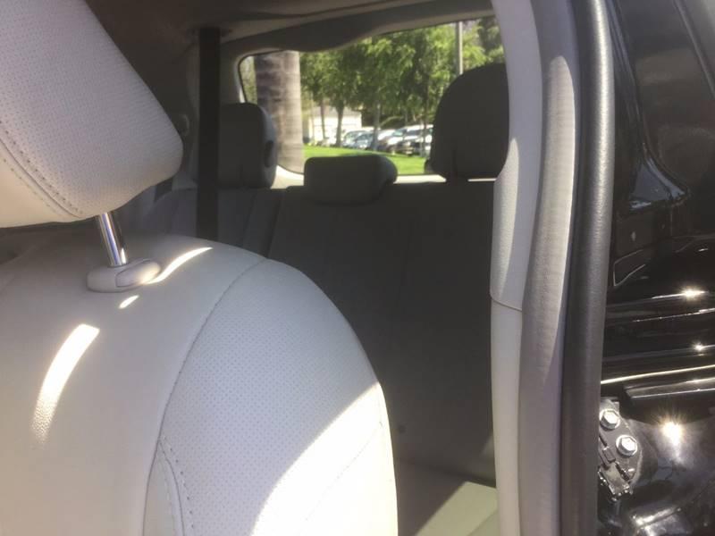2014 Toyota Sienna XLE 8-Passenger 4dr Mini-Van - Chula Vista CA