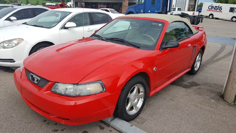 2004 Ford Mustang Deluxe 2dr Convertible - Troy TN