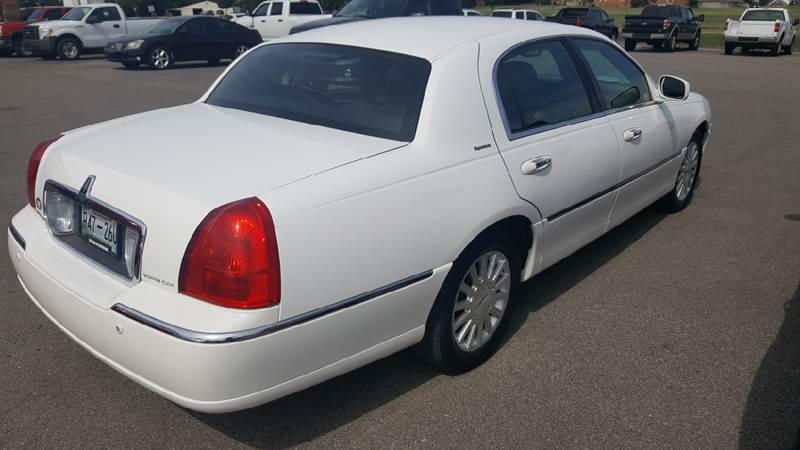 2003 Lincoln Town Car Signature 4dr Sedan - Troy TN