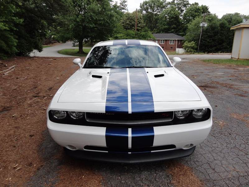 2012 Dodge Challenger for sale at HAPPY TRAILS AUTO SALES LLC in Taylors SC
