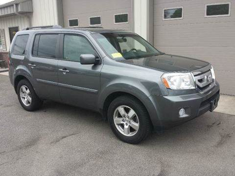 2011 Honda Pilot for sale at Route 106 Motors in East Bridgewater MA