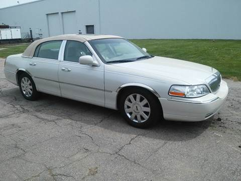 2007 Lincoln Town Car for sale at Route 106 Motors in East Bridgewater MA