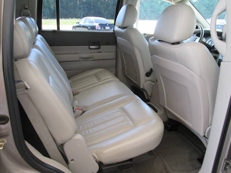 2005 Dodge Durango Limited 4WD 4dr SUV w/ Front, Rear and Third Row Head Airbags - Angier NC