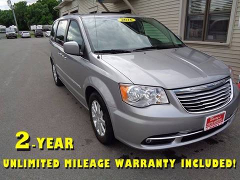 2016 Chrysler Town and Country for sale in Brockport, NY
