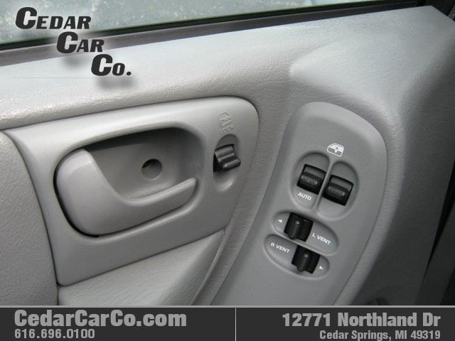 2007 Chrysler Town and Country Touring 4dr Extended Mini-Van - Cedar Springs MI