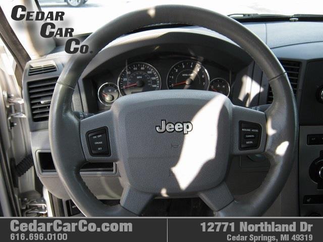 2007 Jeep Grand Cherokee Laredo 4dr SUV 4WD - Cedar Springs MI