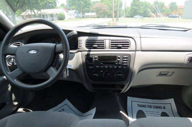 2006 Ford Taurus for sale at CITY TO CITY AUTO SALES LLC in Richmond VA