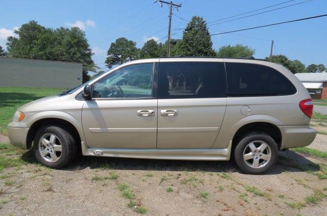 2006 Dodge Grand Caravan for sale at CITY TO CITY AUTO SALES LLC in Richmond VA