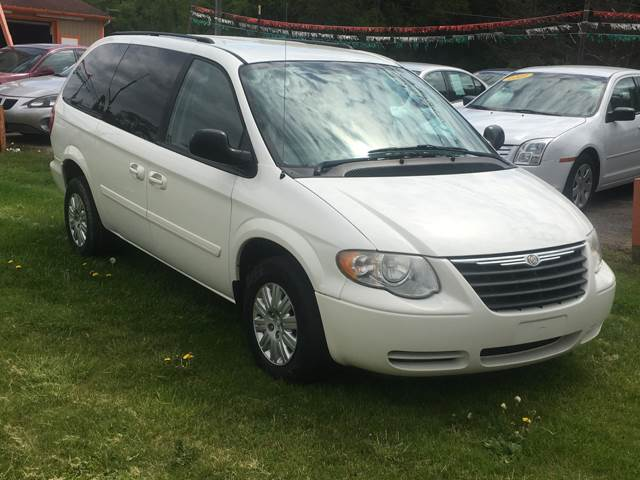 2007 Chrysler Town and Country LX 4dr Extended Mini-Van - Caro MI
