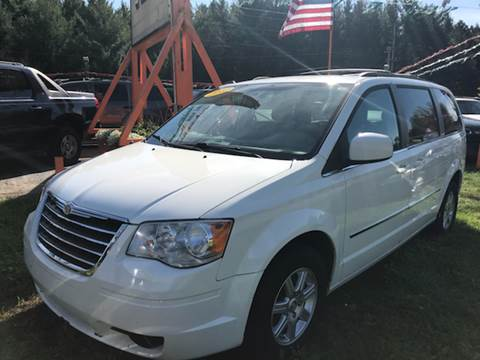 2010 Chrysler Town and Country for sale in Caro, MI