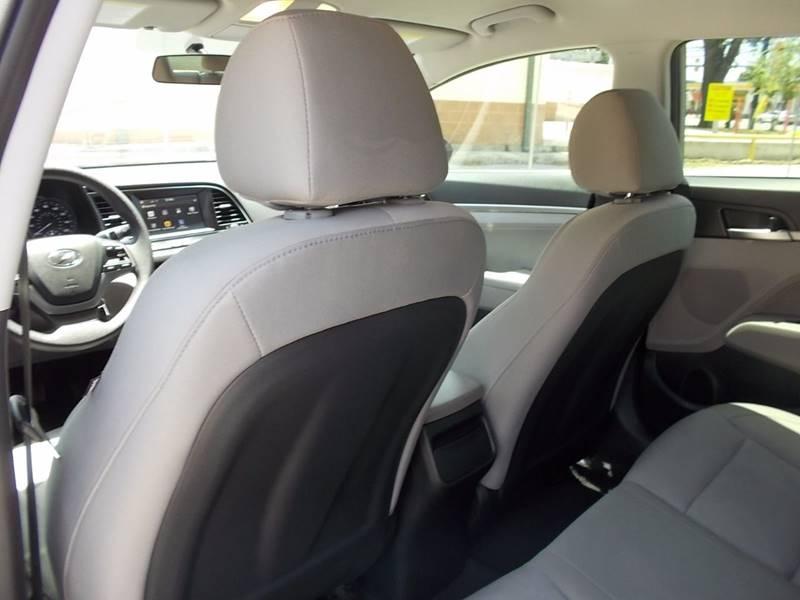 2017 Hyundai Elantra SE 4dr Sedan 6A (US) - San Antonio TX
