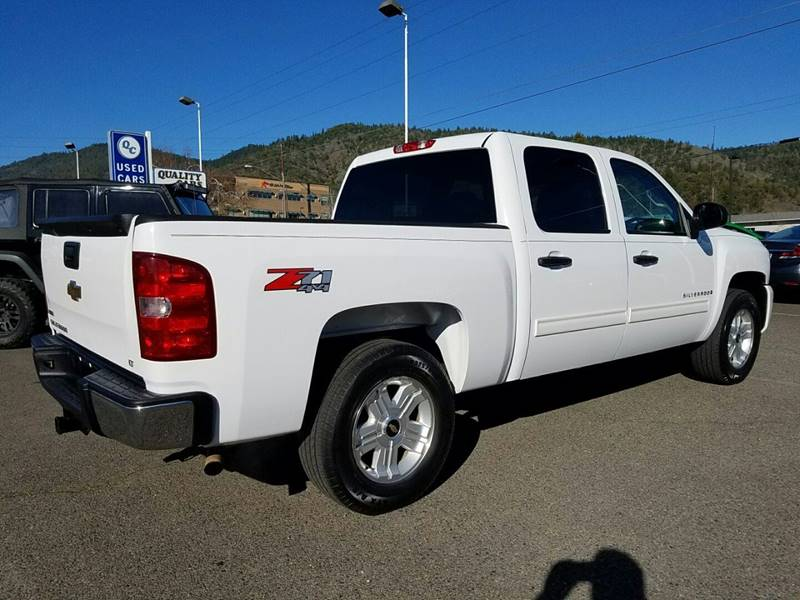 2009 Chevrolet Silverado 1500 4x4 LT 4dr Crew Cab 5.8 ft. SB - Grants Pass OR