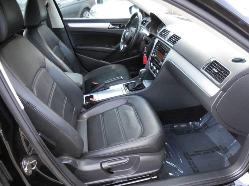 2012 Volkswagen Passat SE PZEV 4dr Sedan 6A w/ Sunroof - Louisville KY