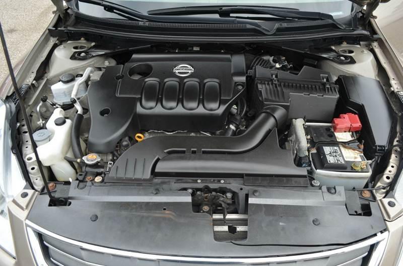 2012 Nissan Altima 2.5 4dr Sedan - Cuyahoga Falls OH
