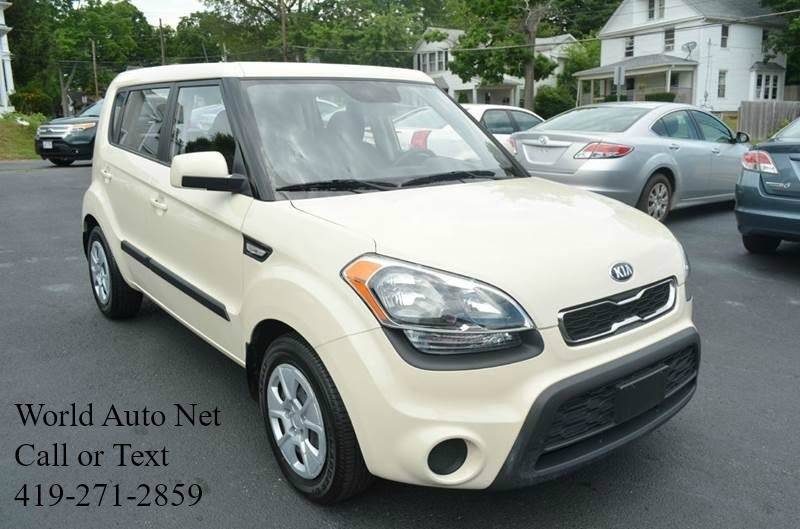 2013 Kia Soul Base 4dr Wagon 6m
