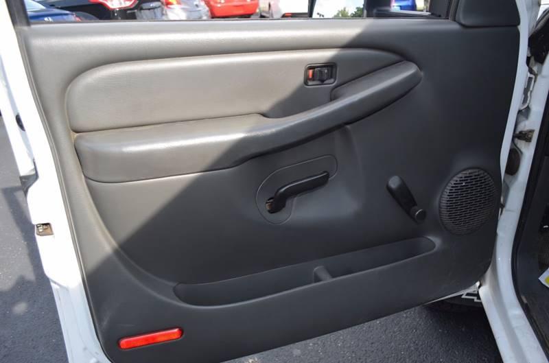 2005 Chevrolet Silverado 2500HD 4dr Extended Cab 4WD SB - Cuyahoga Falls OH