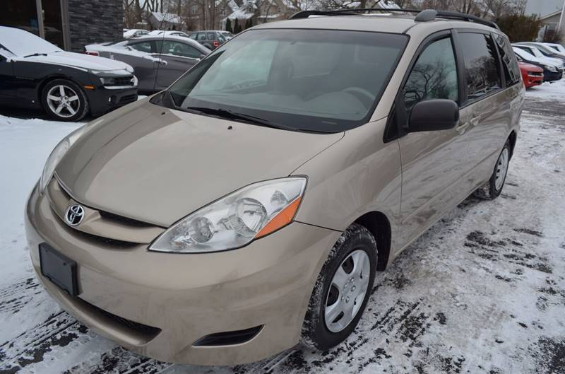 2008 Toyota Sienna LE 7-Passenger 4dr Mini-Van - Cuyahoga Falls OH