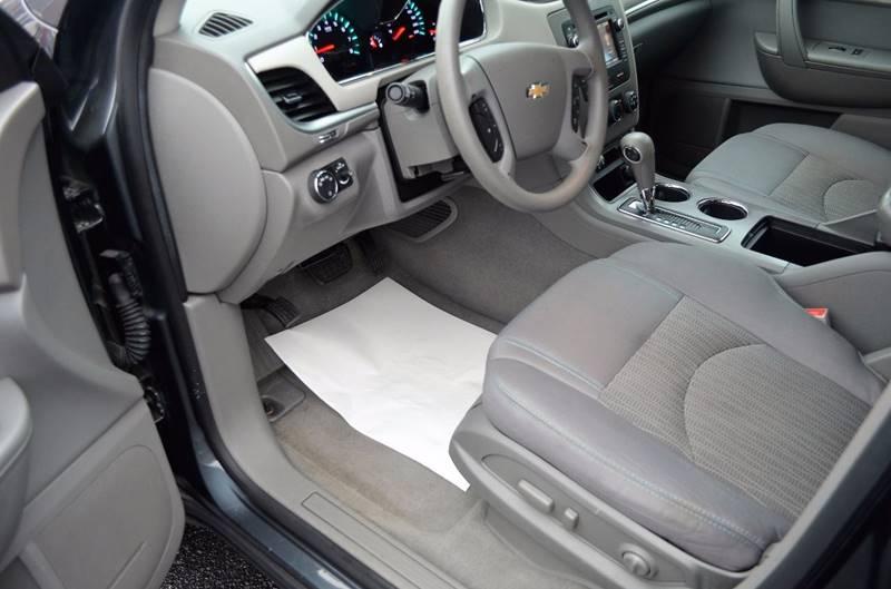 2013 Chevrolet Traverse LS 4dr SUV - Cuyahoga Falls OH