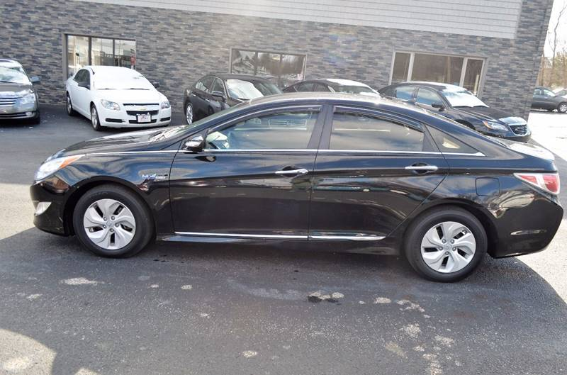 2015 Hyundai Sonata Hybrid 4dr Sedan - Cuyahoga Falls OH