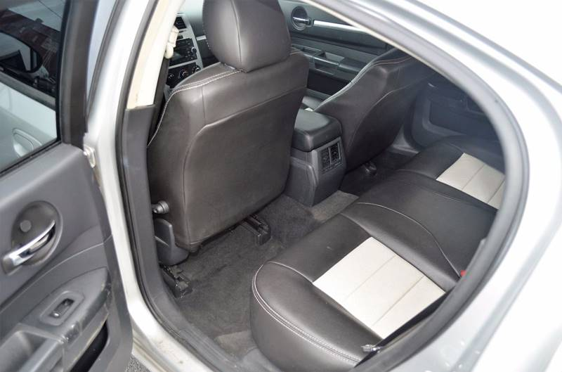 2010 Dodge Charger SXT 4dr Sedan - Cuyahoga Falls OH