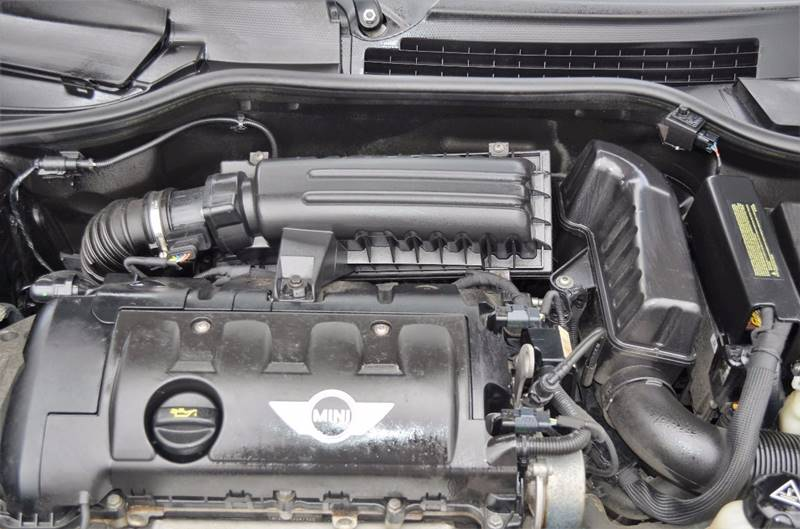 2009 MINI Cooper 2dr Hatchback - Cuyahoga Falls OH