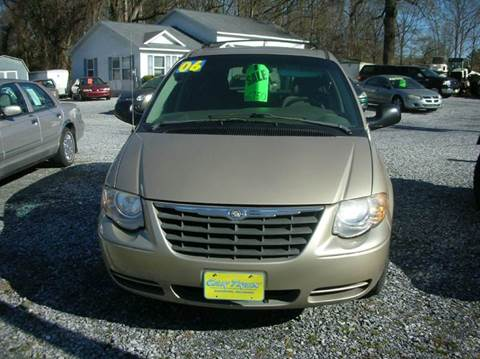 2006 Chrysler Town and Country for sale at Car Trek in Dagsboro DE