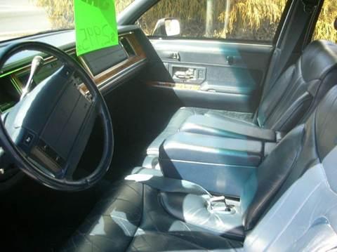 1993 Lincoln Town Car for sale at Car Trek in Dagsboro DE
