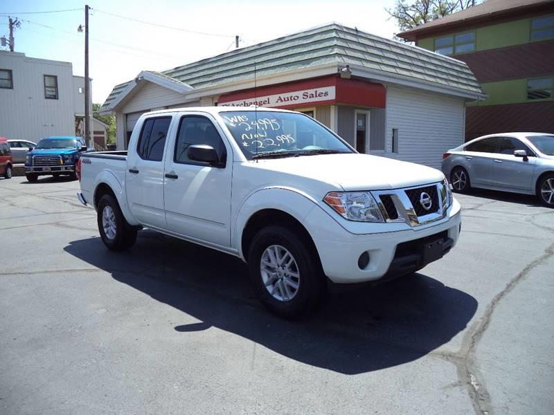 2016 Nissan Frontier 4x4 SV 4dr Crew Cab 5 ft. SB Pickup 5A - Fort Wayne IN