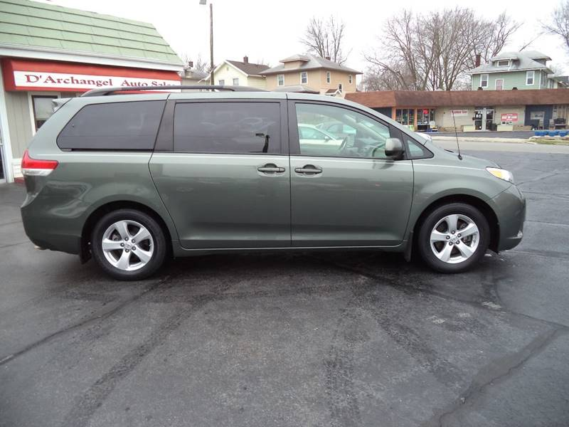 2014 Toyota Sienna LE 7-Passenger Auto Access Seat 4dr Mini-Van - Fort Wayne IN
